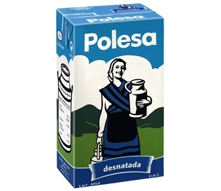Un tetra brik de leche de la marca Polesa
