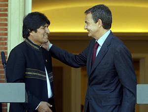 Zapatero junto al presidente de Bolivia, Evo Morales