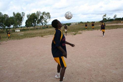 Positive Ladies Soccer Club © Joanna Stavropolou/MSF