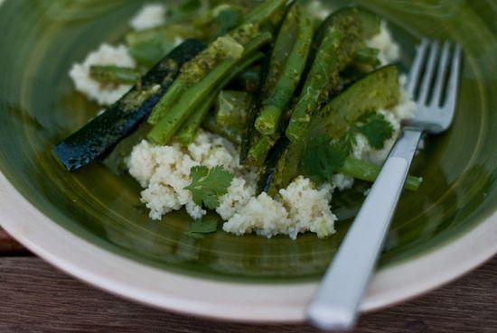 Ensalada verduras salsa verde