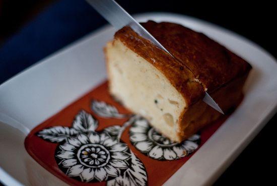 Bizcocho salado pera nueces queso azul