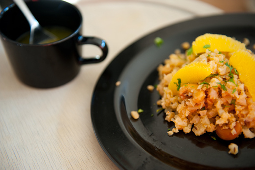 Cuscus coliflor naranja anacardos
