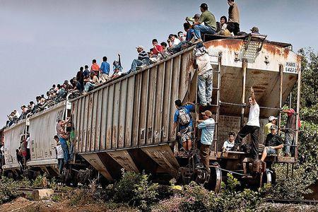 Inmigrantes en un tren hacia EE.UU. (Foto: Isabel Muñoz)