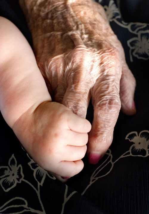 Abuelo y abuela en la cama - 1 8