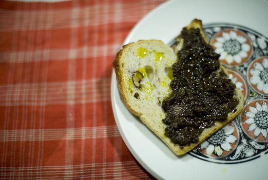 Pate-aceitunas-negras-higos-secos