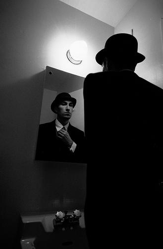 Hombre-del-espejo1