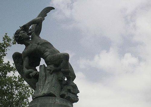 Angelcaido-retiro