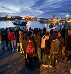 300x01298407067275Sbarchi_clandestini_Lampedusa2