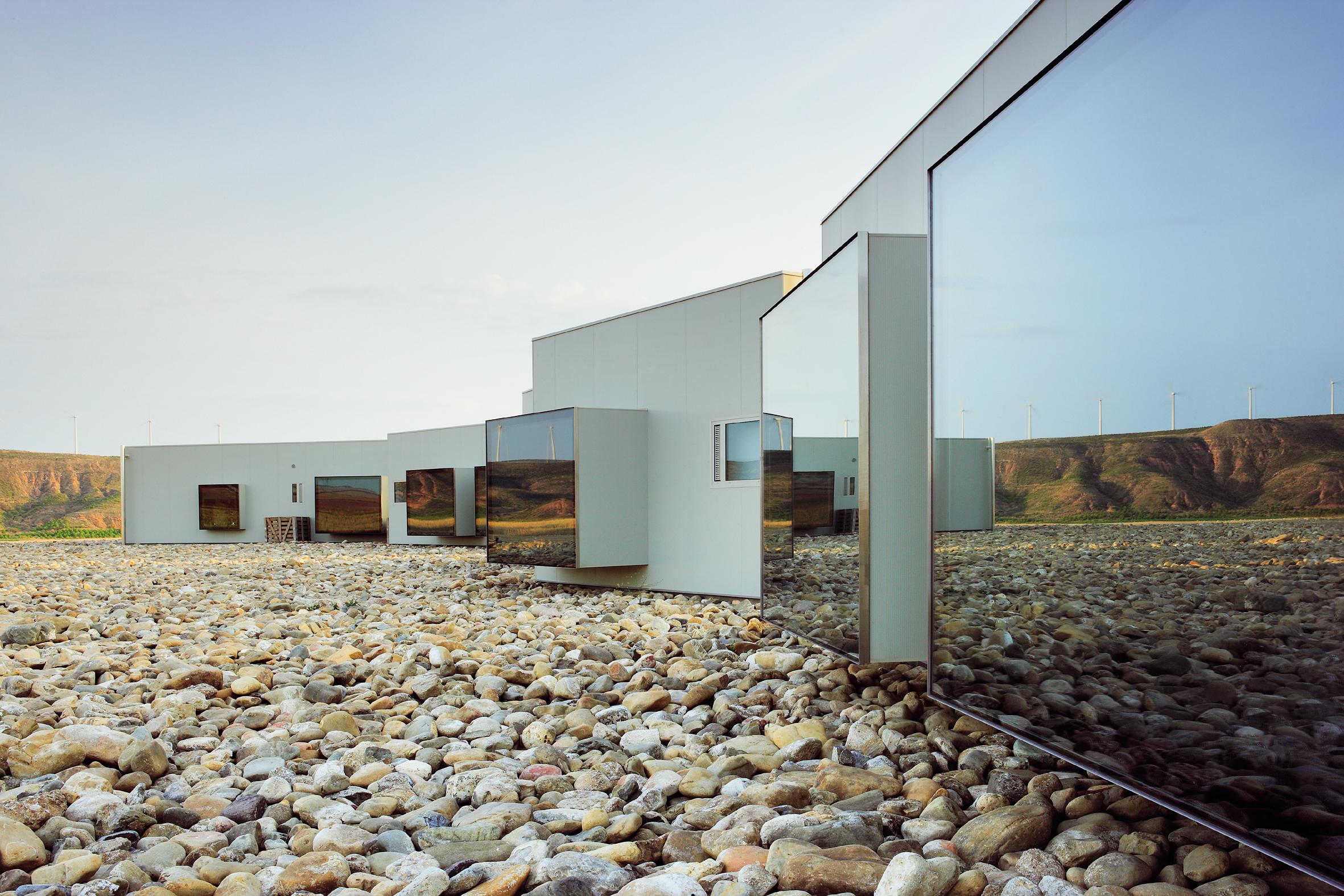 Qu le preocupa a un arquitecto de hoy del tirador a for Fachadas hoteles minimalistas