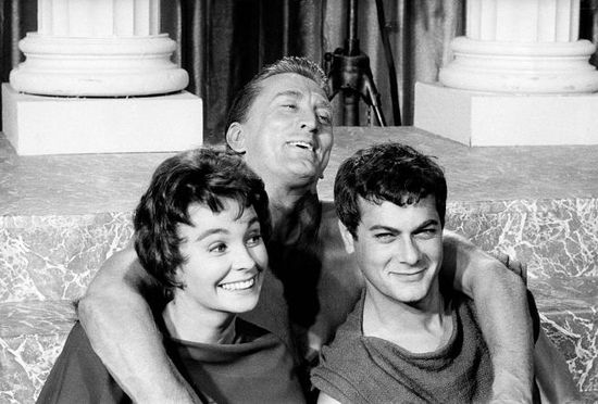 Spartacus-with-jean-simmons-kirk-douglas-and-tony-curtis