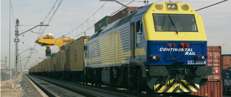 Tren de mercancías con lomotora diésel 333 de Continental Rail