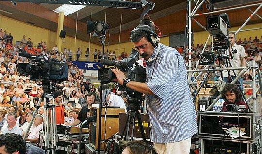 Camaras_television_filman_mitin