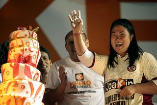Keiko Fujimori, durante un mitin en Cajamarca a finales de mayo. / ESTEBAN FÉLIX (AP)