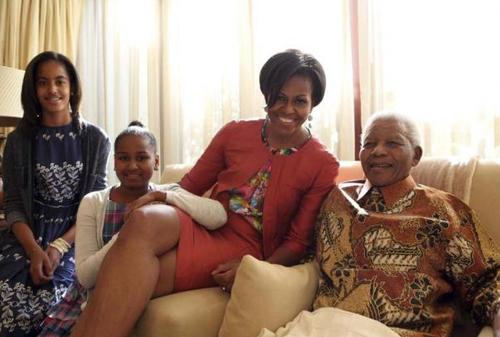 Michelle Obama con Nelson Mandela. REUTERS / Debbie Yazbek / Nelson Mandela Foundation
