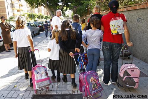 Alumnas_uniformes_escolares