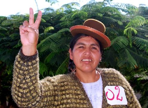 Claudia Coari, elegida congresista por Puno