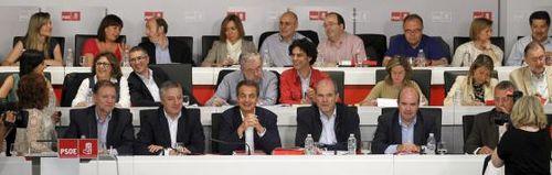 La dirección del PSOE en el comité federal. / Chema Moya (EFE)-