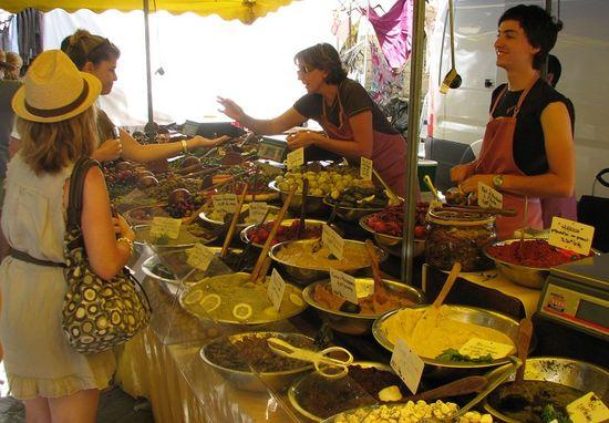 Mercado proveza isle sur la sorgue