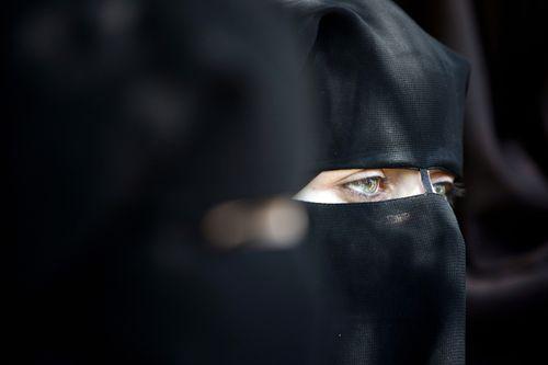 Una mujer palestina en una manifestación en Gaza. / Mohammed Abed (AFP)