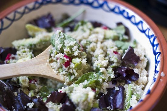 Ensalada quinoa aguacate habas