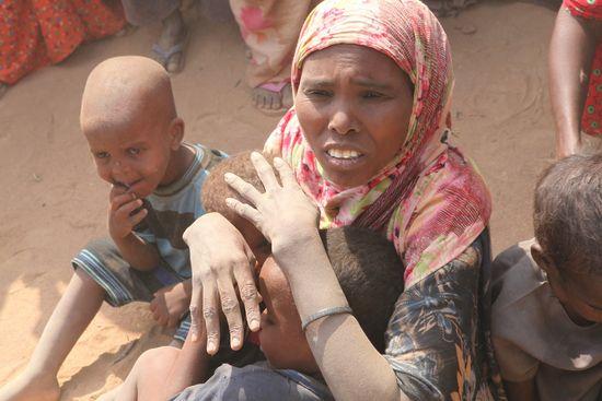 Faduma and her 3 remaining children