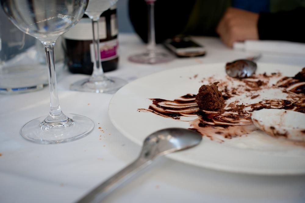Cosas que nunca debes hacer en un restaurante el for Plato de decoracion marroqui salon 2014