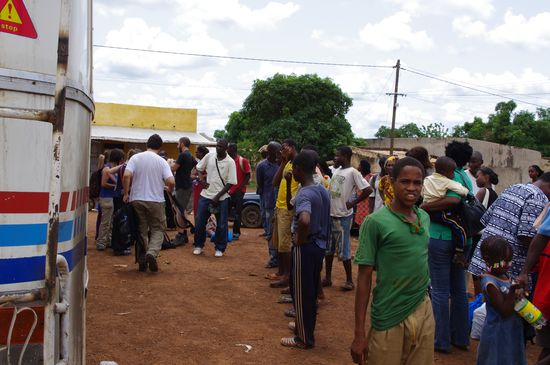 Llegada del Niokolo bus a Kedogou
