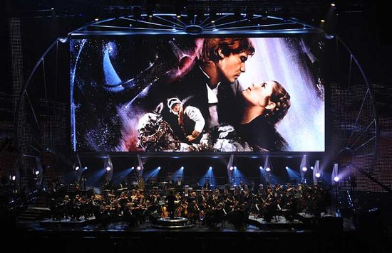 Star-wars-episode-v-the-empire-strikes-back-key-art-onscreen-during-star-wars-in-concert