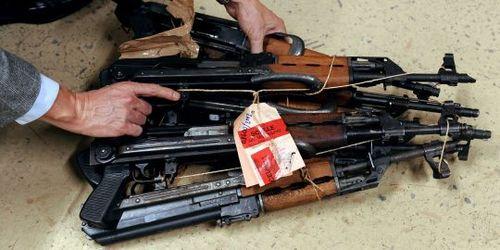 KalashnikovIncautadosPorLaPoliciaDeMarsella.2