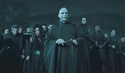 Voldemort_harry_potter_las_reliquias_de_la_muerte_nosologeeks