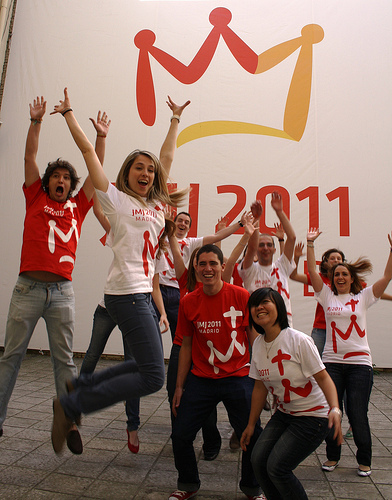 Camisetas_blanca_y_roja_grupo_1