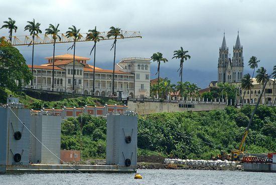 Vista desde el puerto de Malabo