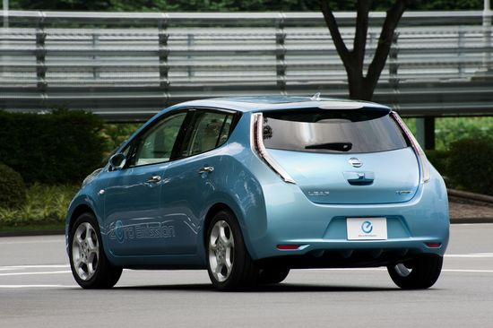 Nissan-leaf-ev-7