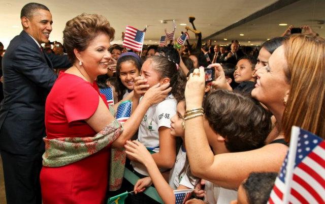 6-Obama e Dilma com os convidados no Palacio do Planalto_