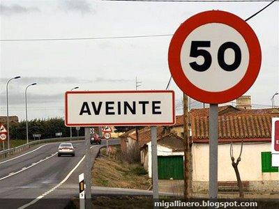 La chispa de la vía: señales y carteles divertidos por el mundo 6a00d8341bfb1653ef0162fca96dd8970d-550wi