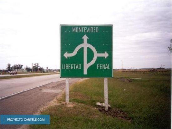 La chispa de la vía: señales y carteles divertidos por el mundo 6a00d8341bfb1653ef0162fca98326970d-550wi