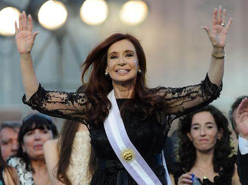 ASUNCION-PRESIDENCIAL-Cristina-Kirchner-Telam_CLAIMA20111210_0229_7