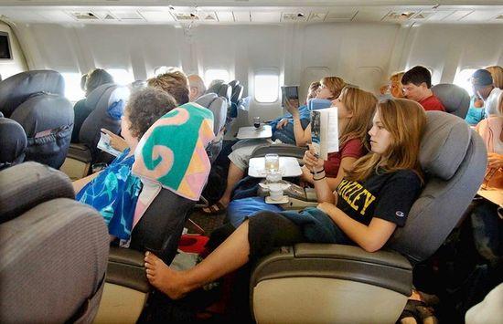 Esas pequeñas cosas que fastidian en los aviones  >> El Viajero Astuto >> Blogs EL PAÍS
