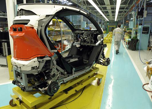 Chasis con baterías, mecánica y panelado