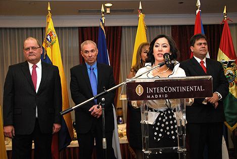 De izquierda a derecha, los embajadores de Venezuela, Nicaragua, Ecuador, Bolivia y Cuba