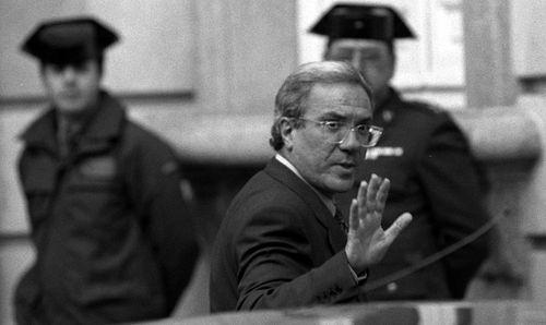 Barrionuevo tras el careo. Ricardo Gutiérrez 4-1-96