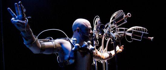 Afasia, performance de Marcel.lí Antúnez. FOTO © Carles R