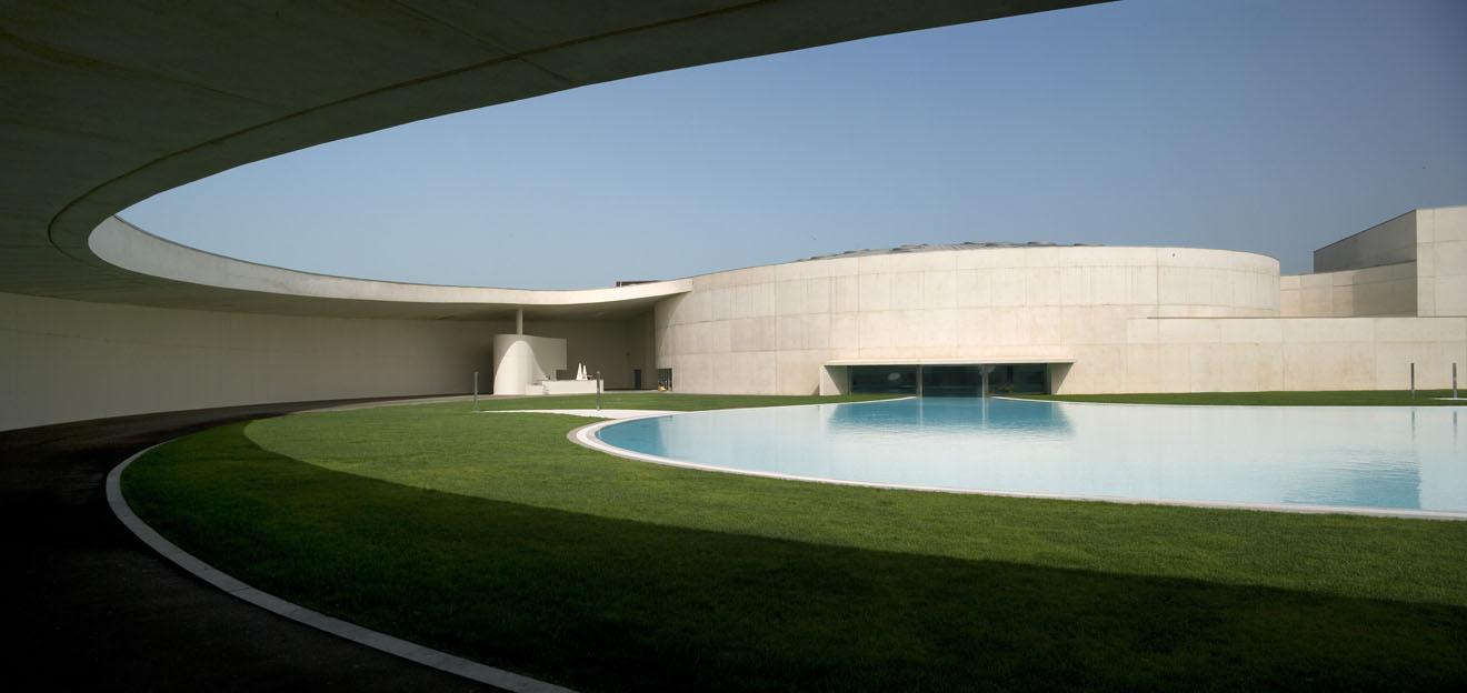 6 piscinas para todos del tirador a la ciudad blogs for Piscina publica barcelona