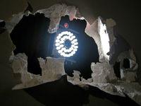El ojo del robot en la instalación Zwischenräume de Petra Gemeinboeck y Rob Saunders