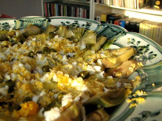 Ensalada alcachofas anchoas huevo