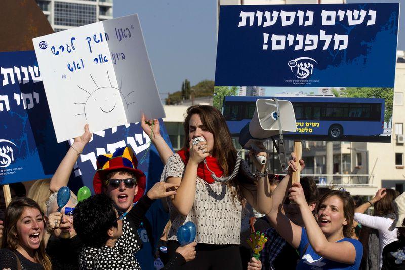 Manifestación en Tel Aviv contra la exclusión femenina de la esfera pública, celebrada el 28 de diciembre. /JACK GUEZ  /AFP