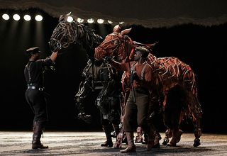 War_horse_onstage