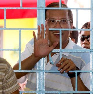 Benigno Aquino en la campaña presidencial. DENNIS M. SABANGAN (EFE)