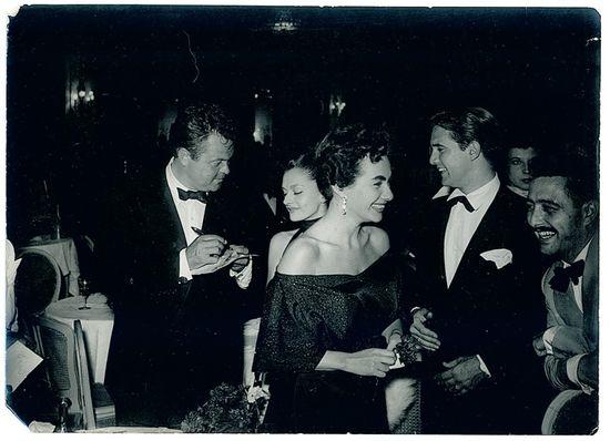Con Welles en una fiesta de Barcelona (Perico Vidal, primero por la derecha)