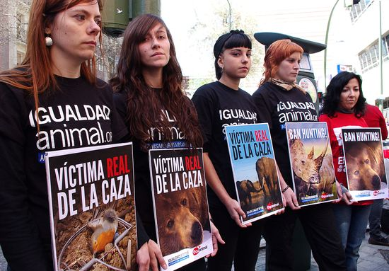 Animal Equality protest outside Hospital de San José de Madrid